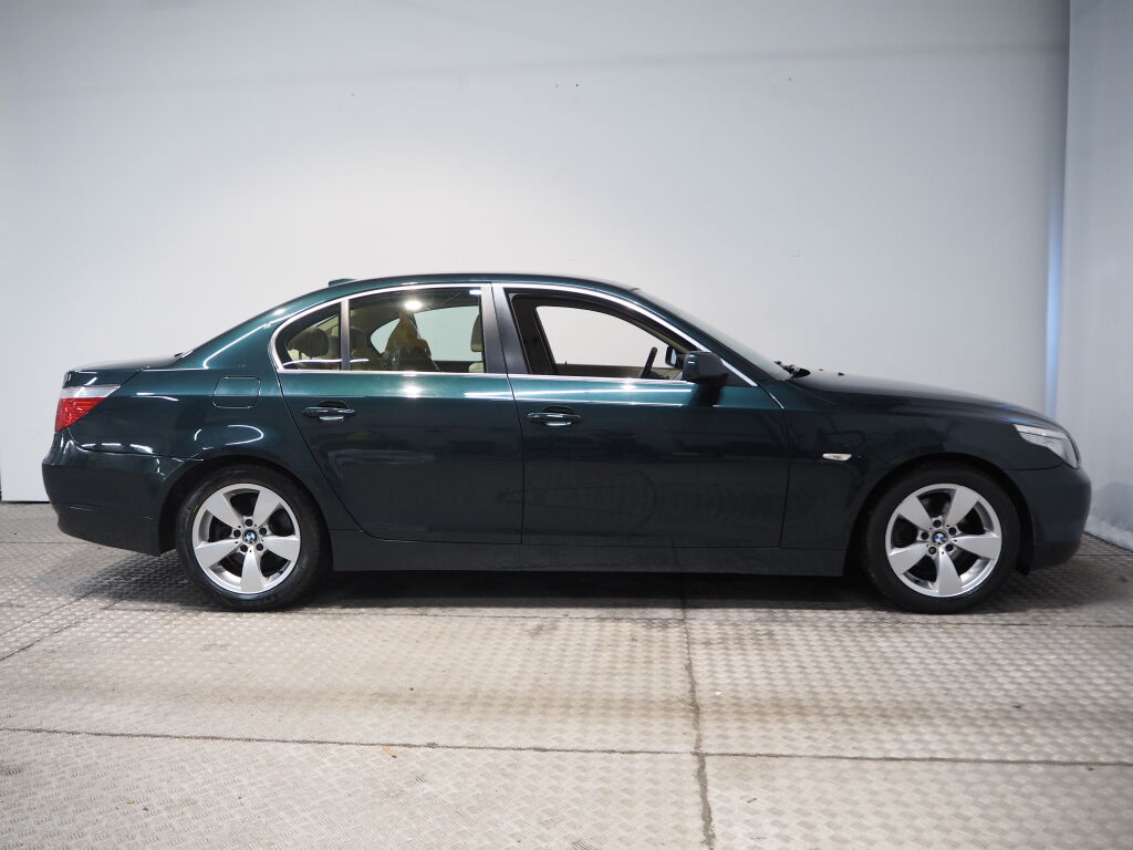 BMW 523 2008 BMW 523 i 4d A