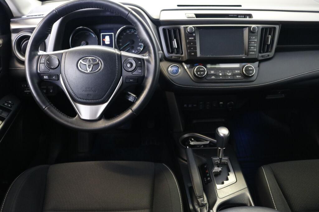 Toyota RAV4 2018 Toyota RAV4 2,5 Hybrid Active