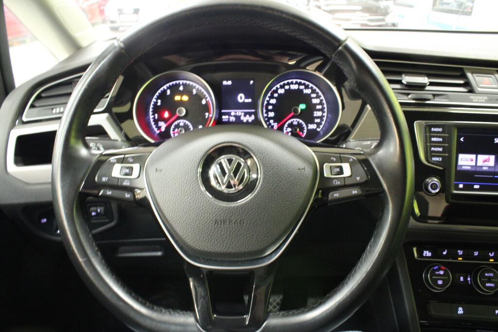 Volkswagen TOURAN 2017 Volkswagen TOURAN Comfortline 1,4 TSI 110 DSG 7-PAIKKAINEN / RAHOITUSKORKO VAIN 1,9%+KULUT!