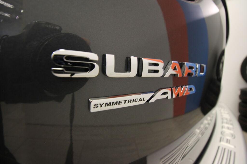 Subaru FORESTER 2021 Subaru FORESTER 2,0i e-Boxer CVT Ridge *Navi / LED / Adapt. vakkari / Muistipenkit*