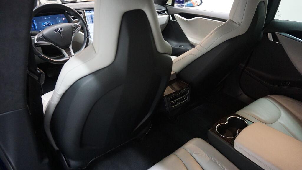 Tesla MODEL S 2016 Tesla MODEL S 85D **AWD, Ilmajousitus, Autopilot..**